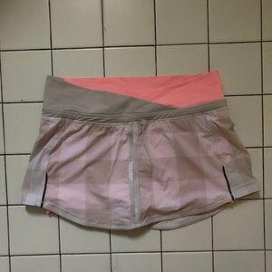 Lululemon runners skirt.  Perfect condition.